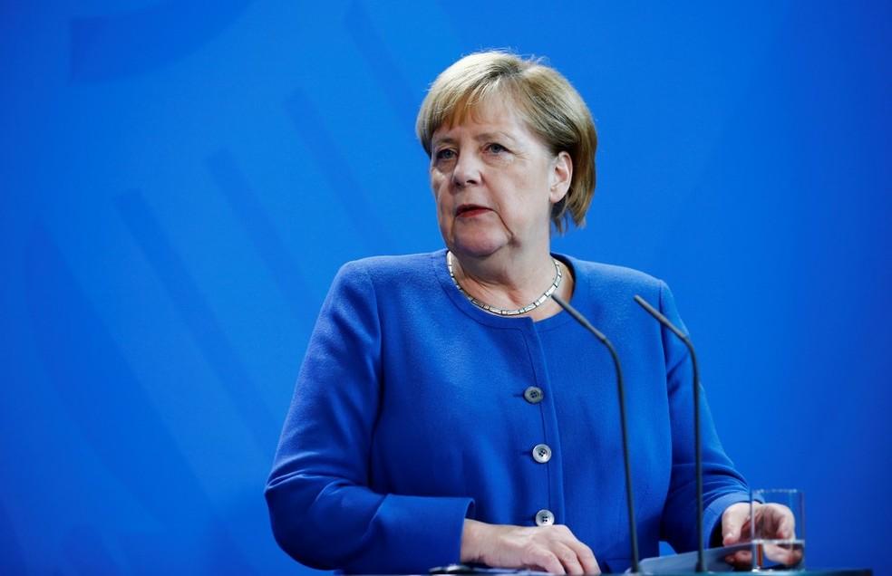 """""""O trabalho dos jornalistas deve ser respeitado, valorizado e apoiado"""", disse Angela Merkel, chanceler da Alemanha, neste sábado (16) — Foto: Abdulhamid Hosbas/Anadolu Agency via AFP"""