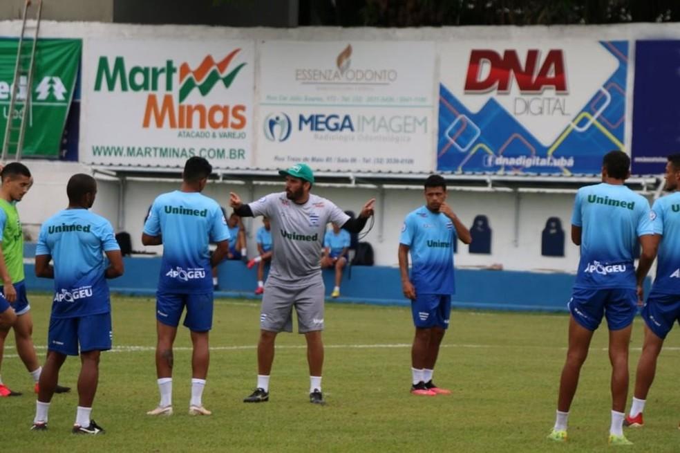 Bruno Barros será o técnico do Aymorés na Segunda Divisão do Mineiro — Foto: Sport Club Aymorés
