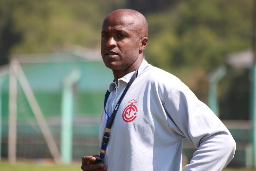 Reinaldo começou a sua carreira de treinador pelo Inter de Lages — Foto: Greik Pacheco / Inter de Lages