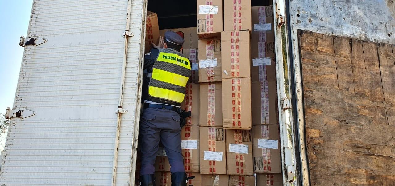 Homem é detido com carga de cigarro contrabandeado em Itapetininga