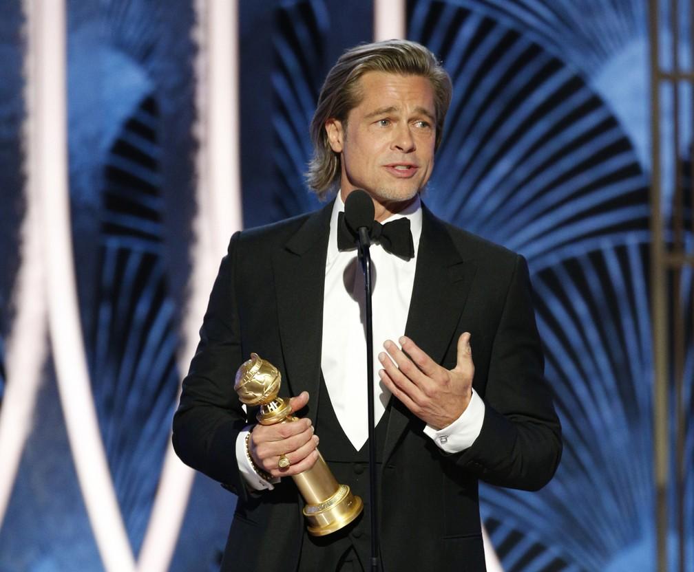"""Brad Pitt vence o Globo de Ouro de melhor ator coadjuvante em filmes por """"Era uma Vez Hollywood"""" — Foto: Paul Drinkwater/NBC via AP"""