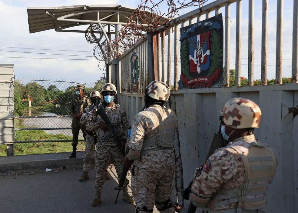 Polícia no Haiti após morte do presidente nesta quarta-feira (7) — Foto: REUTERS/Ricardo Rojas