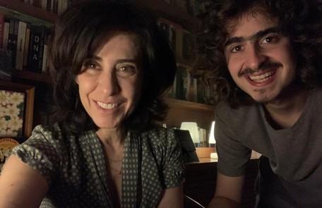 Joaquim Torres atua com a mãe em 'Diário de um confinado', do Globoplay Divulgação
