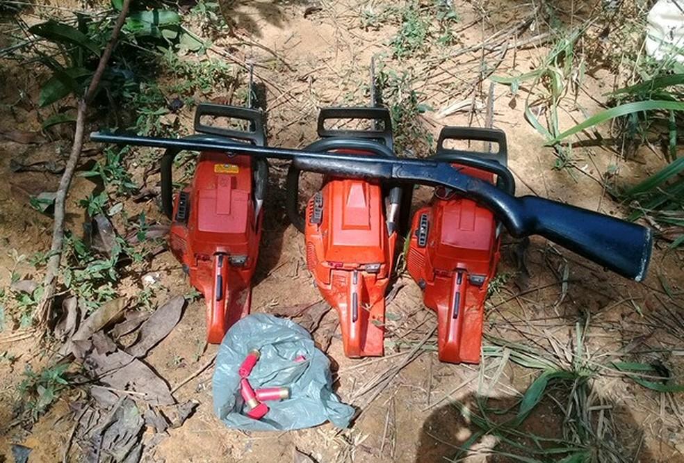Material apreendido em operação da Polícia Ambiental com Ibama (Foto: PMA/Divulgação)