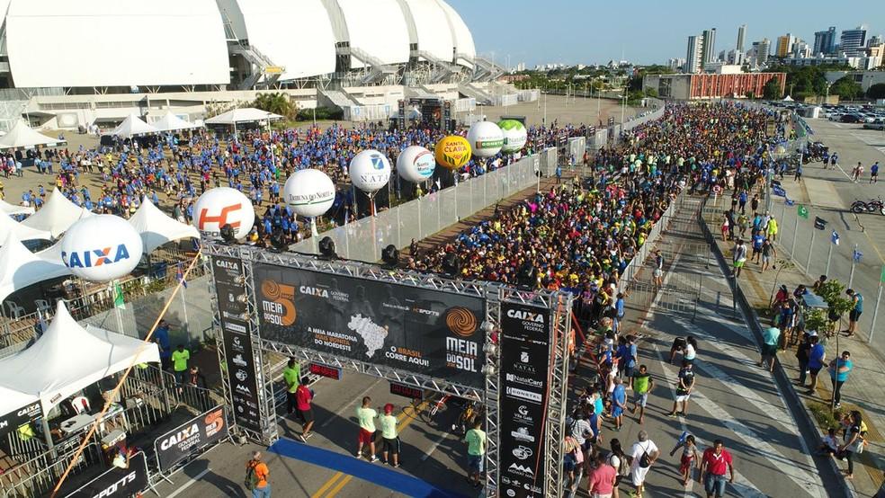 Meia Maratona do Sol tem largada na Arena das Dunas e espera reunir 7 mil corredores — Foto: Dronando Filmes