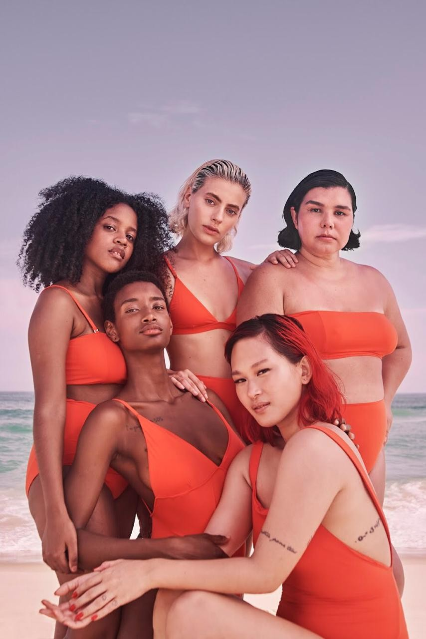 Collab da Pantys com a Ahlma está entre os destaques de beachwear para mulheres reais e para um verão livre de padrões (Foto: Divulgação)