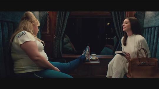 Dentre as estreias no cinema, Anne Hathaway vive golpista em 'As Trapaceiras'