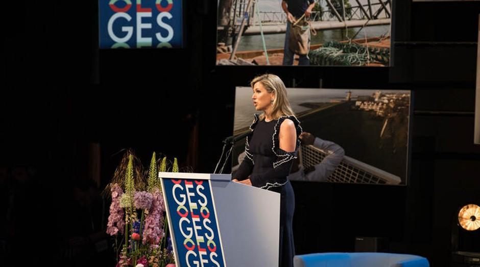 A Rainha Maxima falando durante o Global Entrepreneurship Summit 2019, em Amsterdã. (Foto: Divulgação)