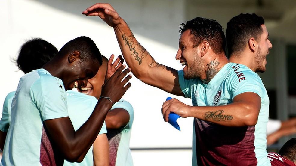 Luiz Henrique e Bobadilla têm se entendido bem em campo — Foto: Mailson Santana / Fluminense FC