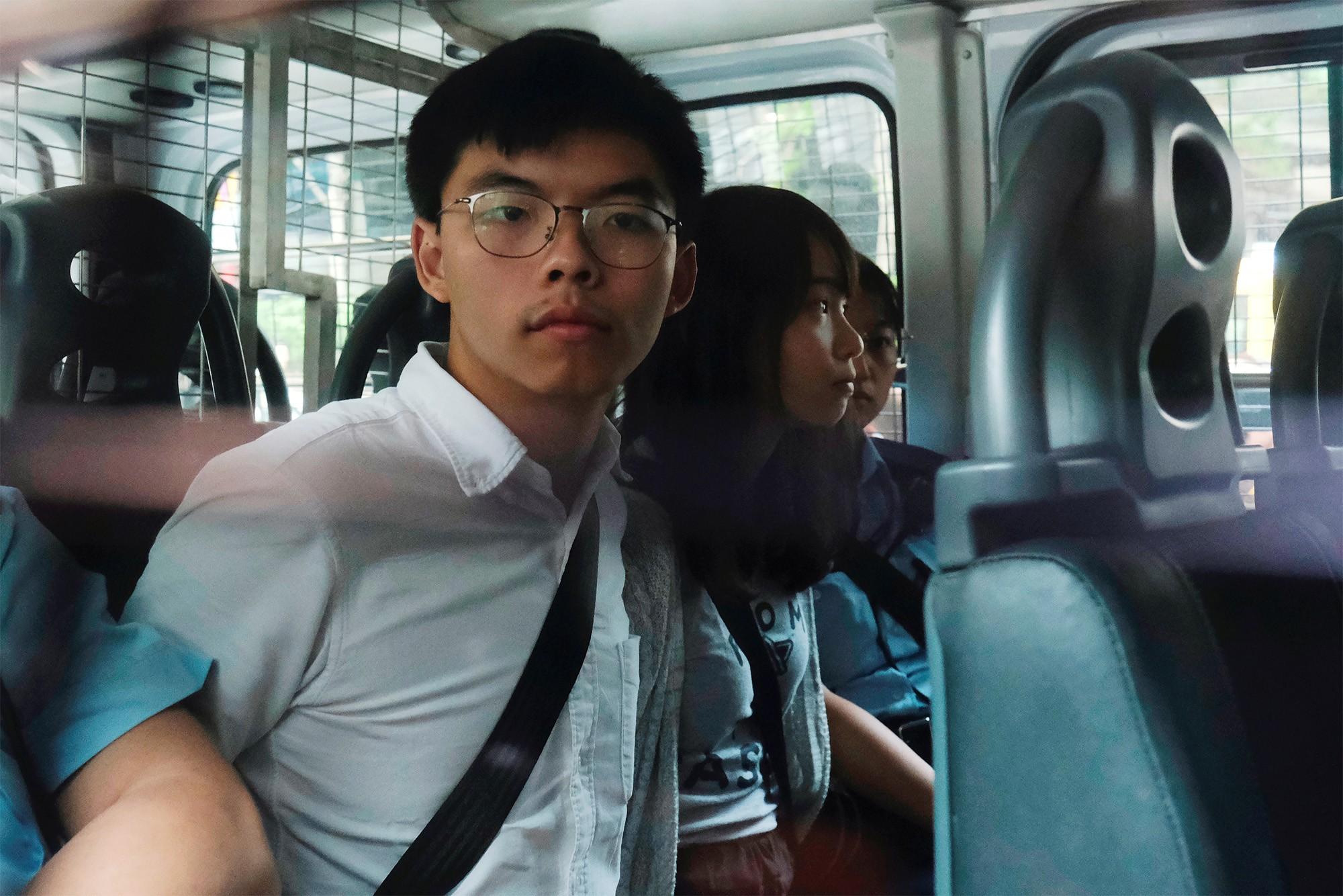 Joshua Wong e dois ativistas pró-democracia são condenados por protestos em Hong Kong