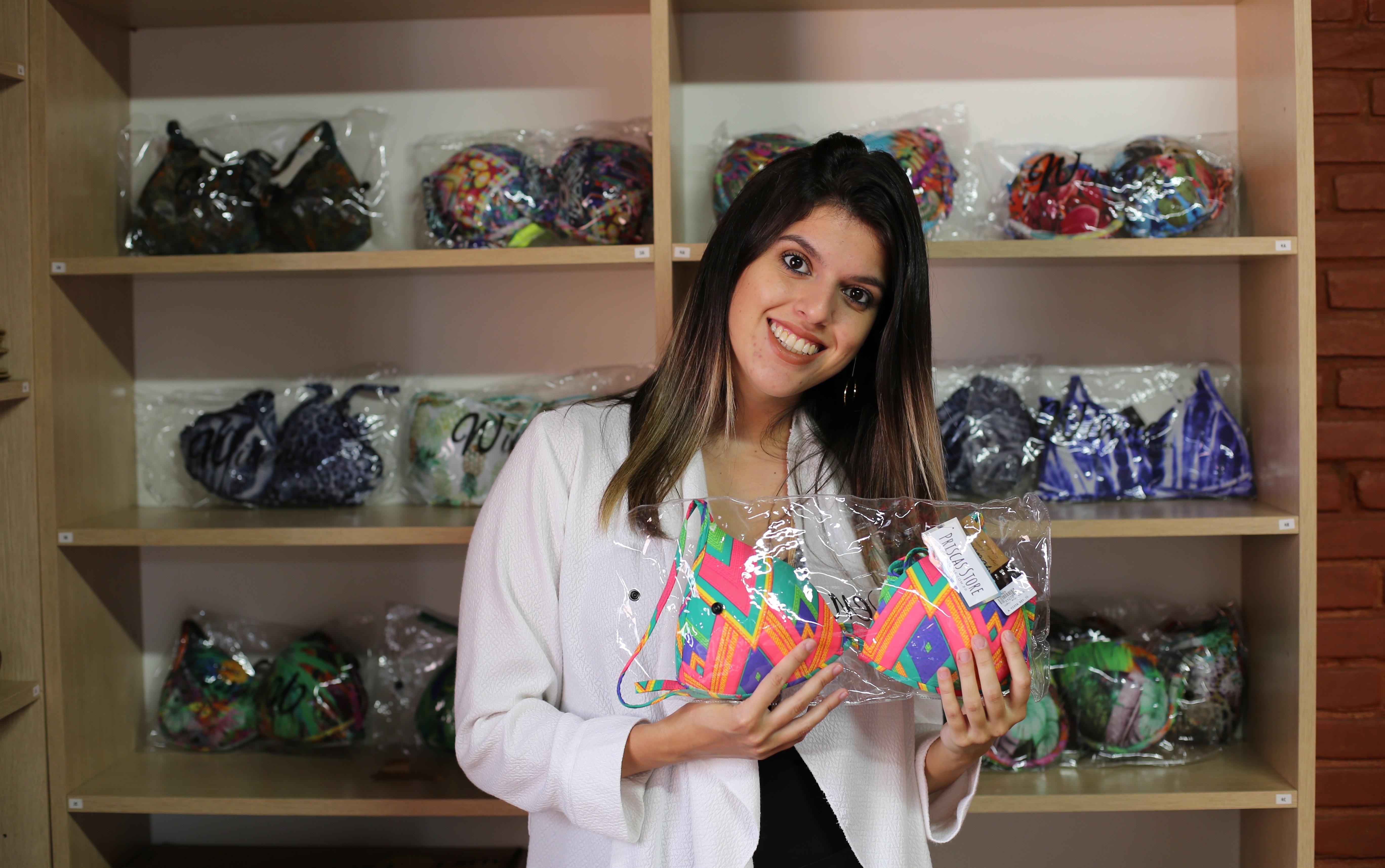 Após abandonar emprego em multinacional, jovem investe na venda de biquínis em Poços de Caldas