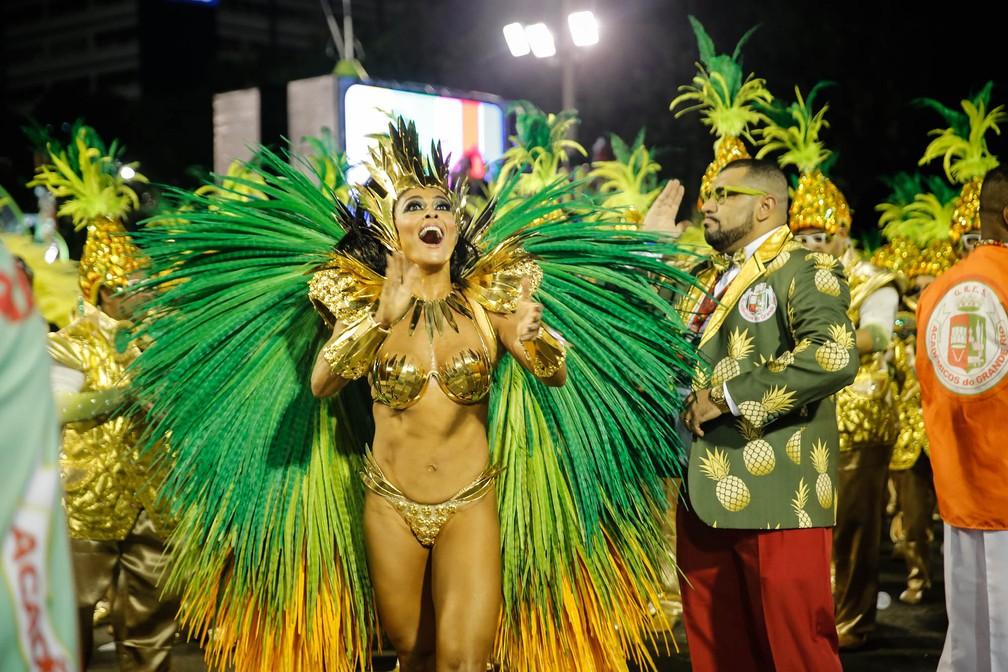 Juliana Paes, rainha de bateria da Grande Rio, na concentração da Sapucaí (Foto: Marcos Serra Lima/G1)