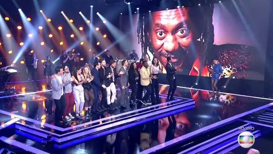 Participantes do 'PopStar' fazem homenagem a Luiz Melodia