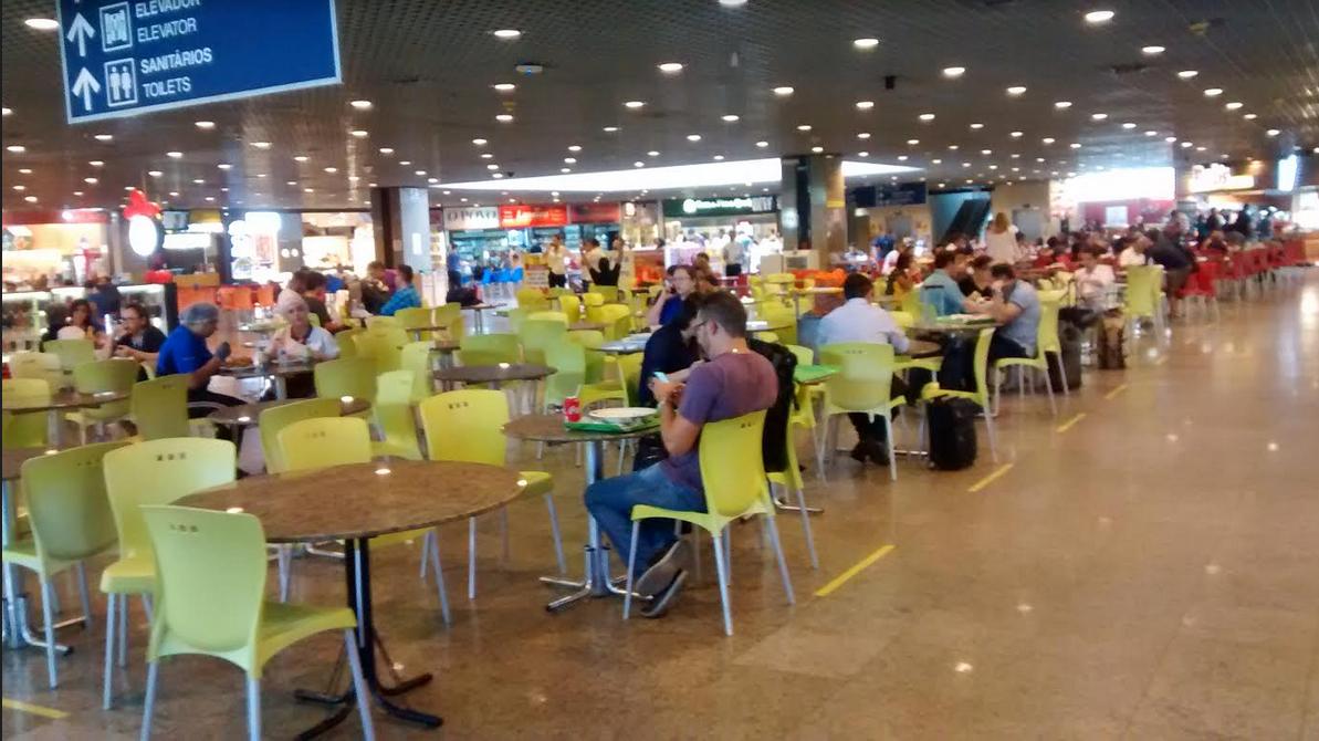 Preços de lanchonete e estacionamento em aeroportos são principais críticas de passageiros