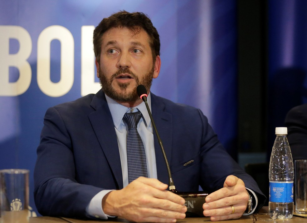 Alejandro Domínguez em entrevista coletiva na Conmebol — Foto: REUTERS/Jorge Adorno
