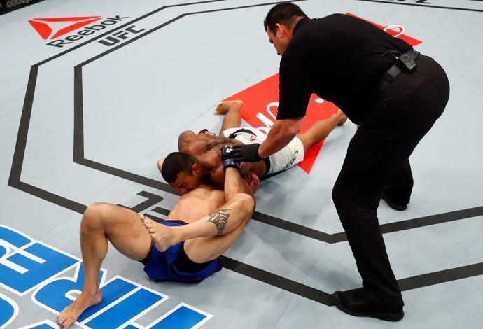 Michel Trator Josh Burkman UFC Fortaleza (Foto: Getty Images)