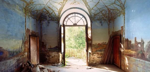 As fotos ficarão em exposição na galeria Esther Woerdehoff, em Paris, até o dia 6 de abril (Foto: Designboom/ Reprodução)