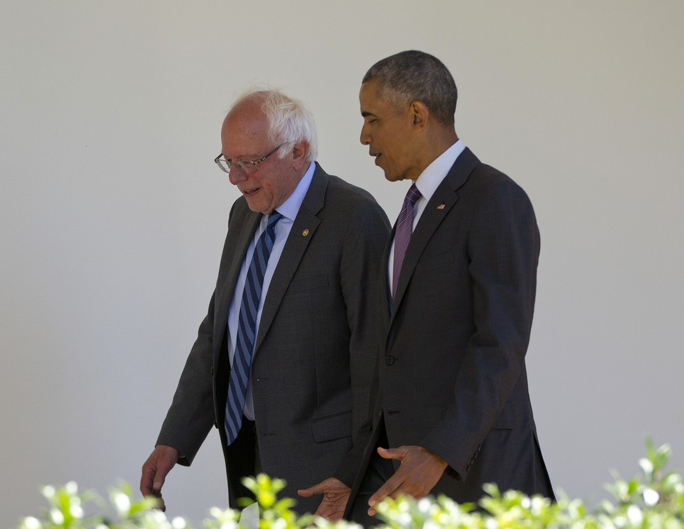 Obama e Sanders conversam na Casa Branca em foto de 2016 — Foto: AP Photo/Pablo Martinez Monsivais