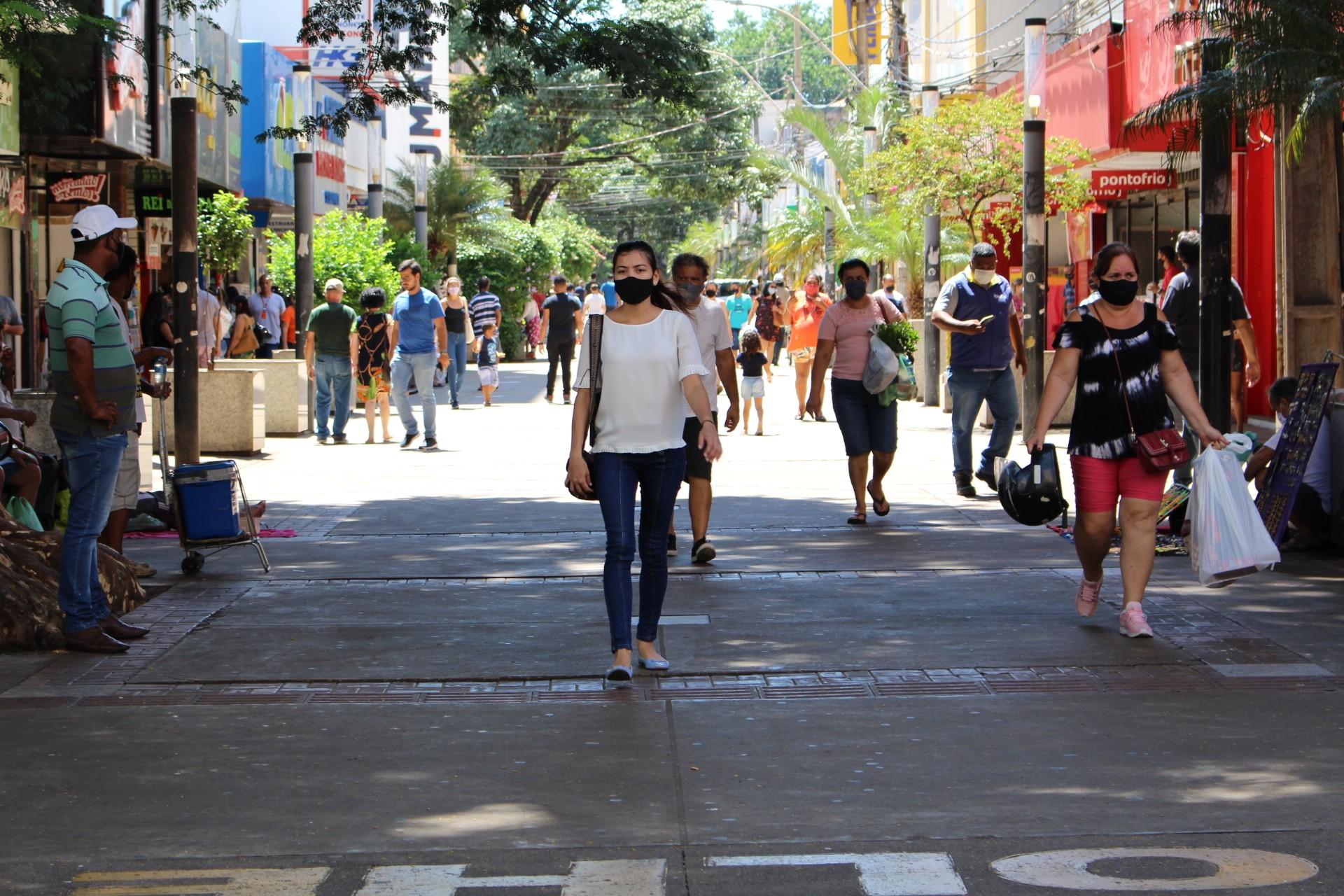 Decreto altera horário de funcionamento do comércio de rua em Presidente Prudente
