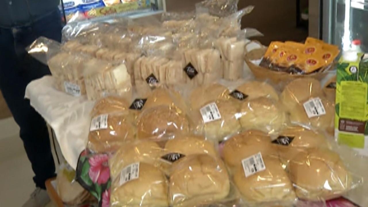 Dólar alto reflete no preço do pão e outros itens; entenda razões