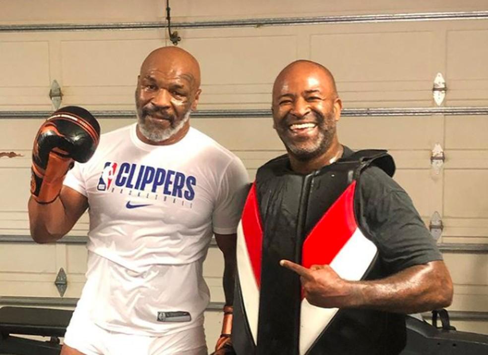 Mike Tyson escolheu o brasileiro Rafael Cordeiro como o seu treinador — Foto: Reprodução/Instagram