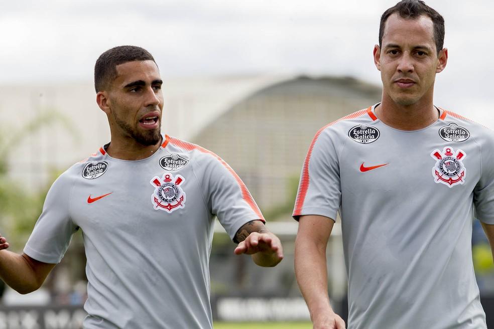Rodriguinho e Gabriel seguem titulares absolutos do Corinthians (Foto: Daniel Augusto Jr/Agência Corinthians)