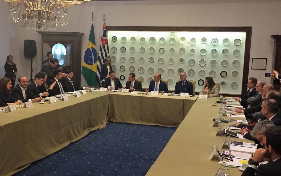 O prefeito João Doria e o governador Geraldo Alckmin em reunião no Palácio dos Bandeirantes (Foto: Livia Machado/G1)