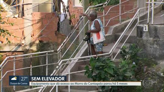 Elevador do Morro do Cantagalo está parado e moradores passam sufoco
