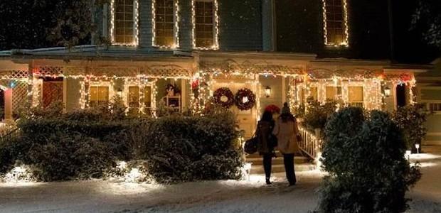 Casa das personagens Rory e Lorelai da série Gilmore Girls (Foto: Saeed Adyani/Netflix/ Reprodução)