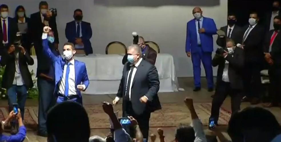 Allyson Bezerra toma posse como prefeito de Mossoró — Foto: Reprodução