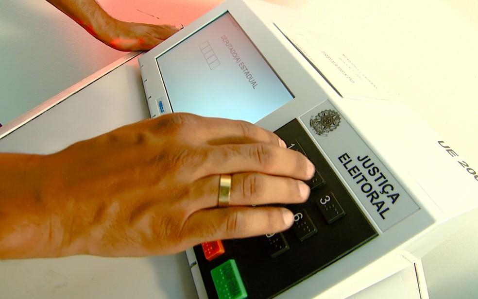 Urna eletrônica utilizada para votação no Brasil — Foto: Reprodução/EPTV