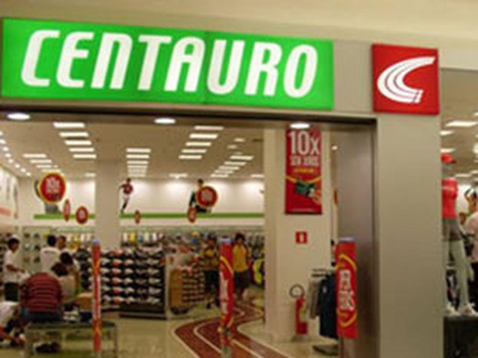 0adb0be391 Preço de ação em IPO da rede Centauro é definido em R  12