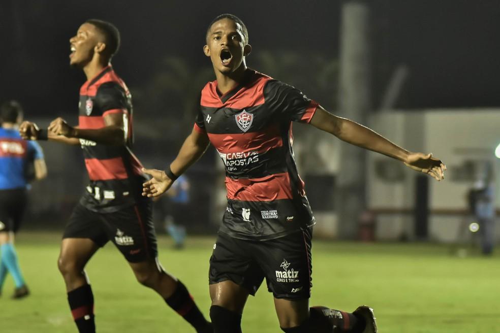 David marcou um dos gols do Vitória contra o Brusque — Foto: Pietro Carpi / EC Vitória / Divulgação