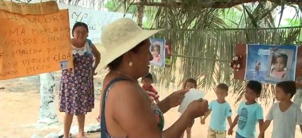 A menina Eloá teve uma homenagem dos vizinhos e parentes.  — Foto: Foto: Reprodução/ Piauí TV 1