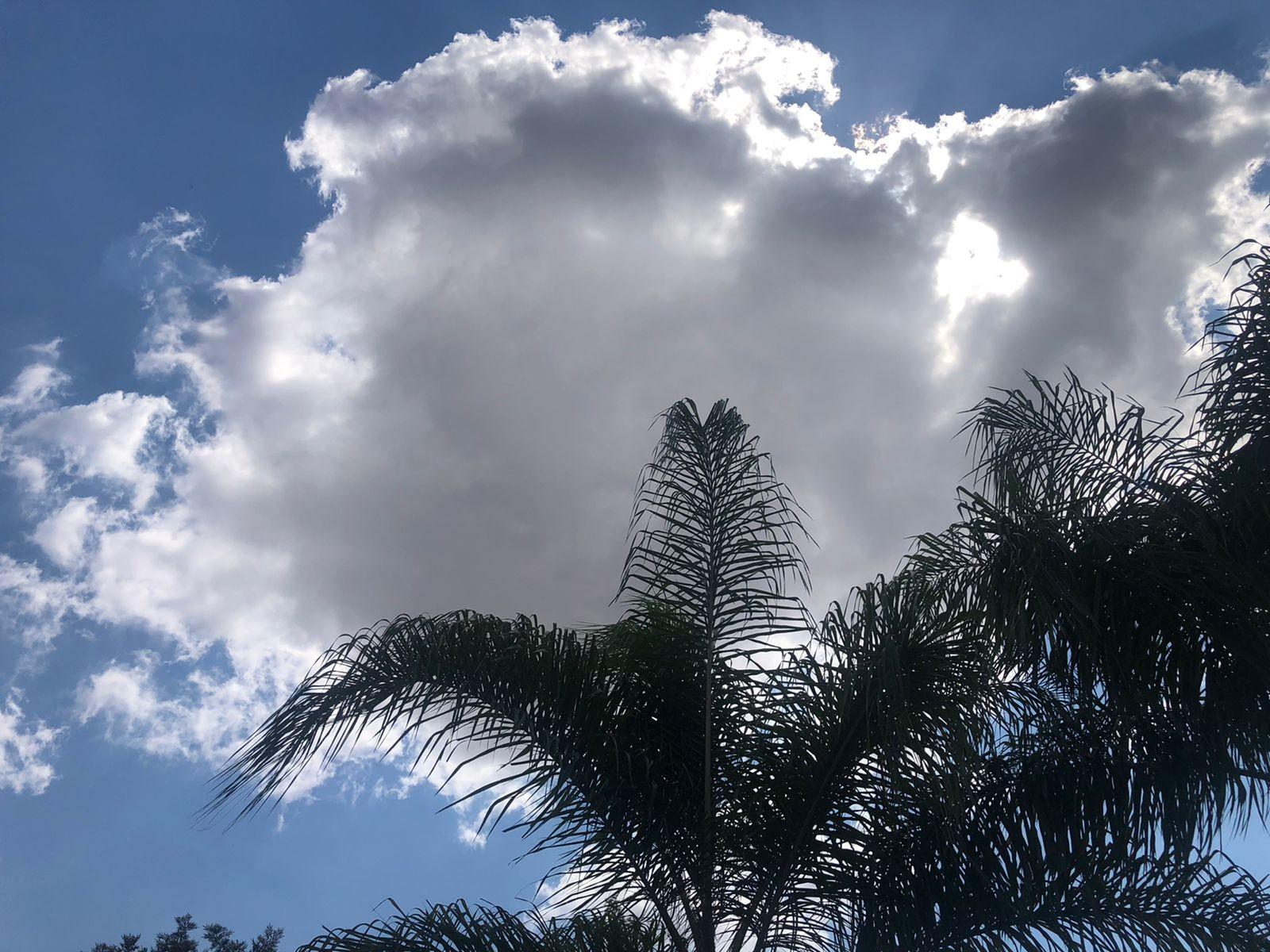 Previsão do tempo: Domingo deve ter tempo abafado e pancadas de chuva em RO