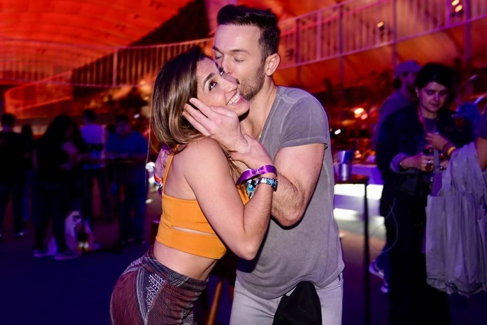 Diego Hypólito beija a irmã, Daniele — Foto: Marcos Serra Lima/G1