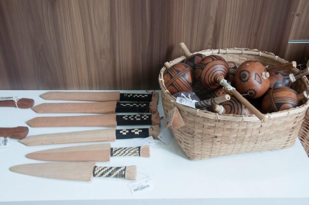 Artesanato indígena exposto na Casa do Artesão (Foto: Sesc/Divulgação)