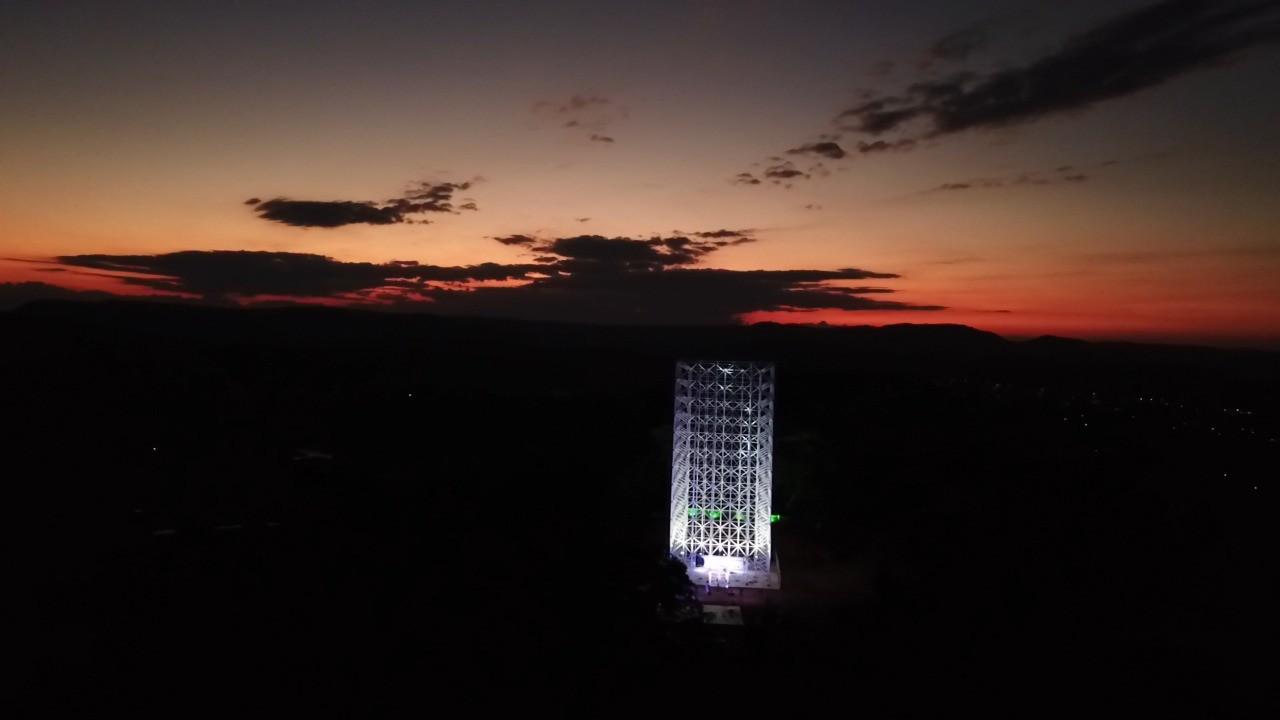 Cruz de Todos os Povos passa por testes em Divinópolis para entrar em nova fase de construção