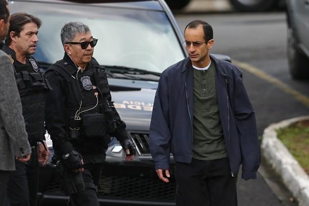 Marcelo Odebrecht (à direita) foi preso em junho de 2015 durante Operação da Lava-Jato