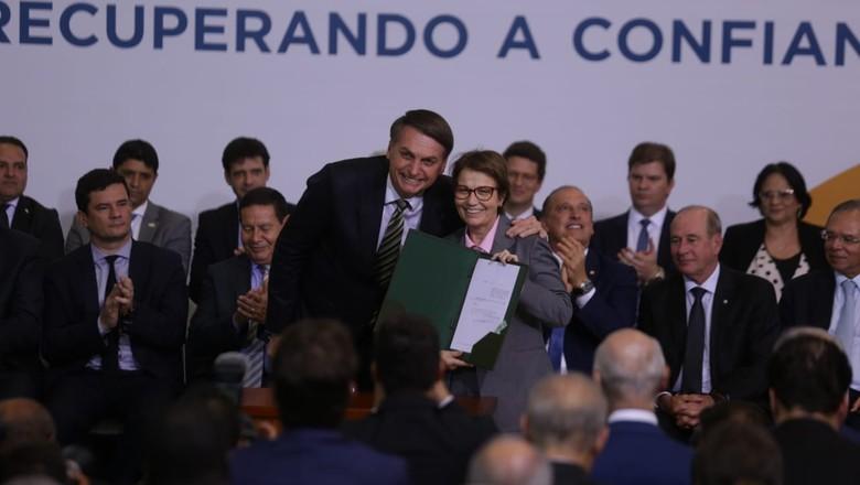 Tereza Cristina e Bolsonaro_300 dias de governo (Foto: Guilherme Martimon/MAPA)