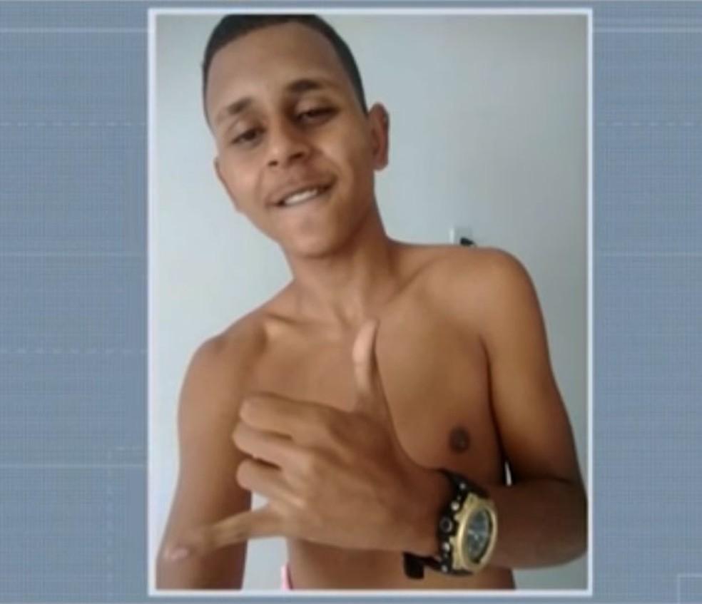 Otávio Jonatas Cordeiro de Jesus morreu no bairro de Pernambués após ser baleado — Foto: Reprodução/TV Bahia