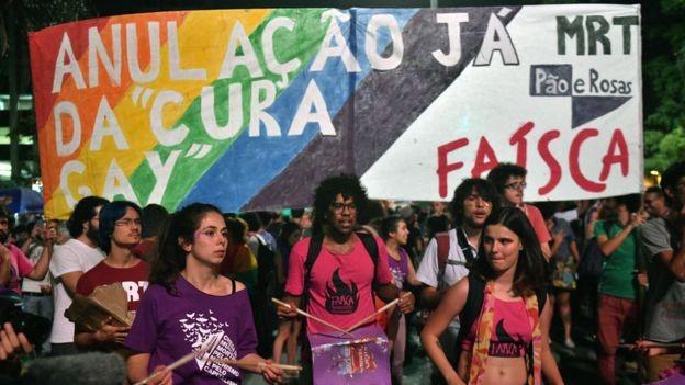 No Brasil, o Conselho Federal de Psicologia foi ao Supremo Tribunal Federal contra decisão judicial que autorizou 'cura gay' (Foto: AFP/BBC News)