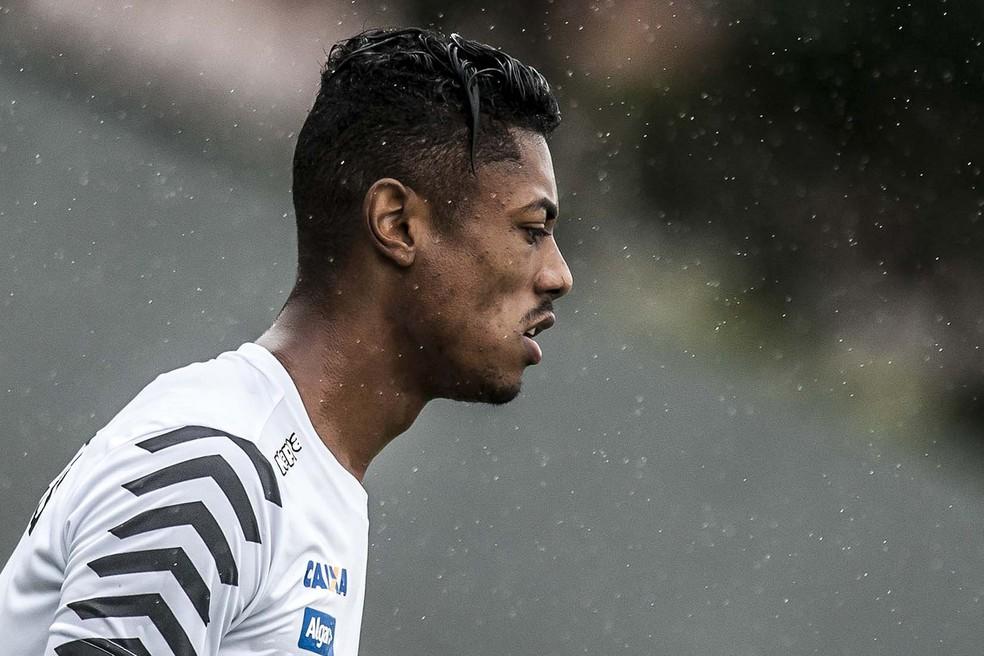 Bruno Henrique em treino do Santos (Foto: Ivan Storti/Divulgação SFC)