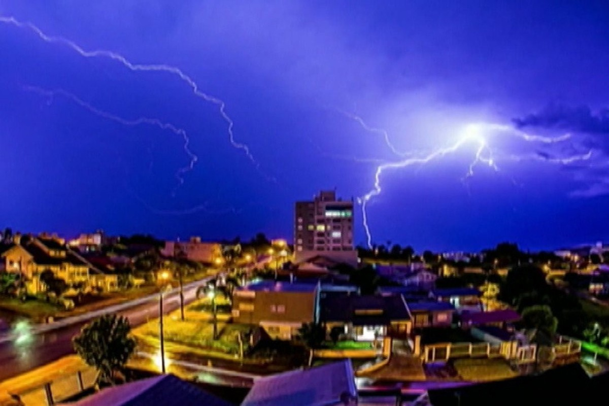 Período de tempestades no Alto Tietê exige cuidado com eletrônicos