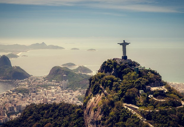 Cristo Redentor se destaca na paisagem do Rio de Janeiro (Foto: Thinkstock)
