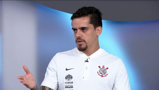 Fagner fala que cabeça está tanto no Corinthians quanto na Seleção