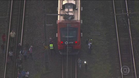 Linhas 8 e 9 da CPTM têm queda no sistema de energia e circulação de trens é interrompida