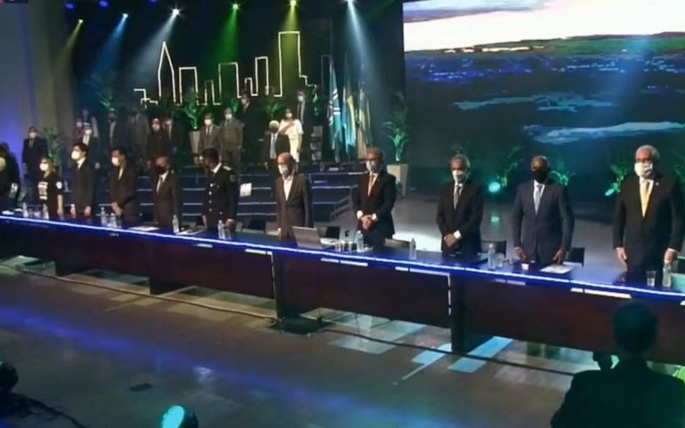 Prefeito, vice e vereadores tomam posse em Goiânia — Foto: Reprodução/TV Câmara