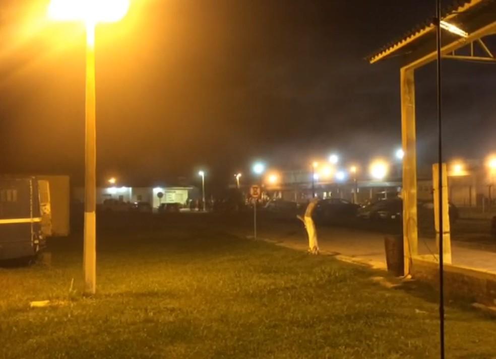 Incêndio atinge penitenciária de Rio Grande, no Sul do RS (Foto: Mauricio Gasparetto/RBS TV)