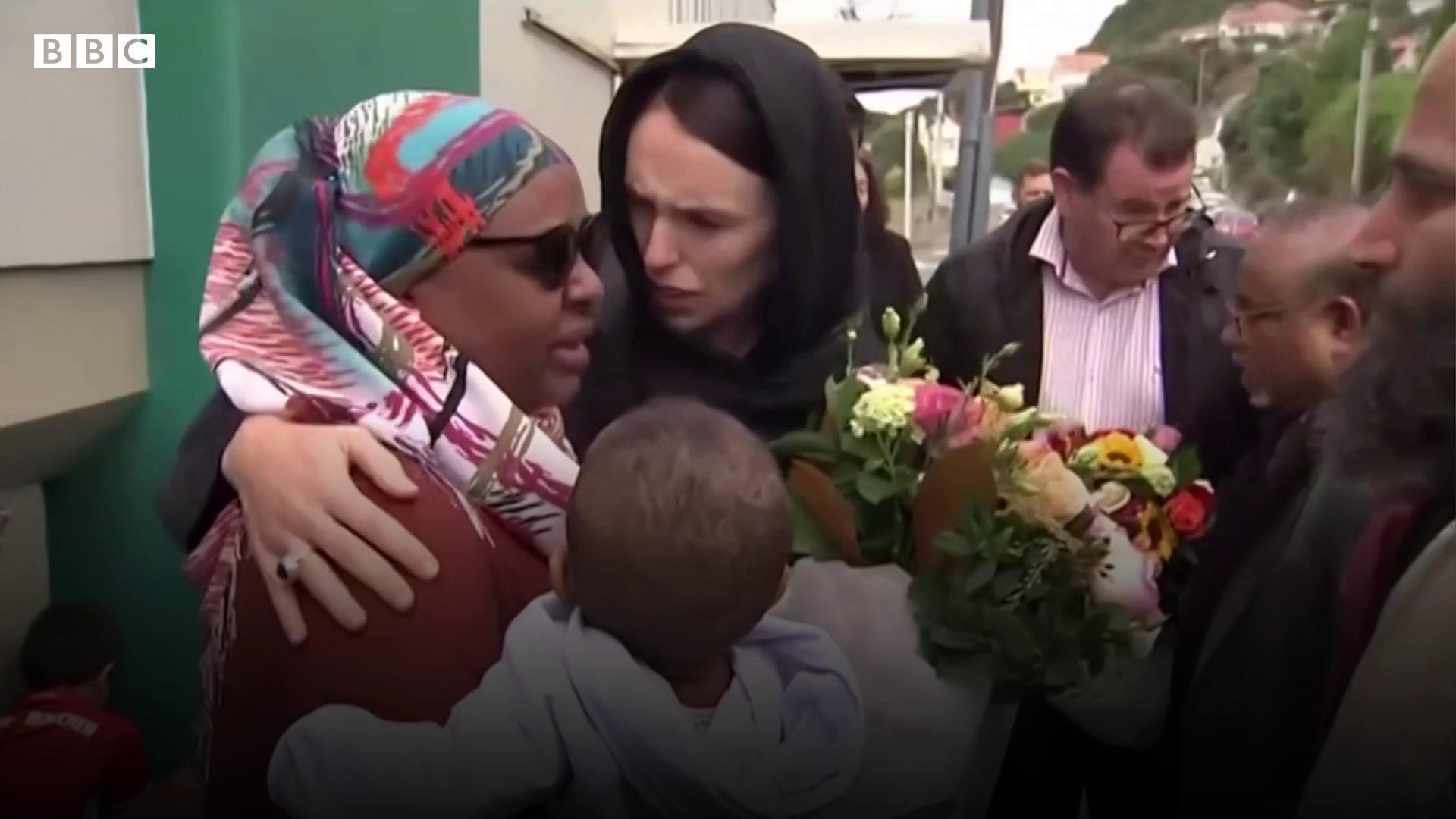 Os fatores por trás da popularidade de Jacinda Ardern, reeleita com folga premiê da Nova Zelândia